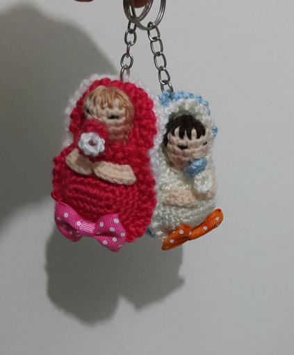 orgu-bebek-anahtarlik-magnet-yapimi-4