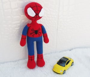 amigurumi-spiderman-yapimi-3