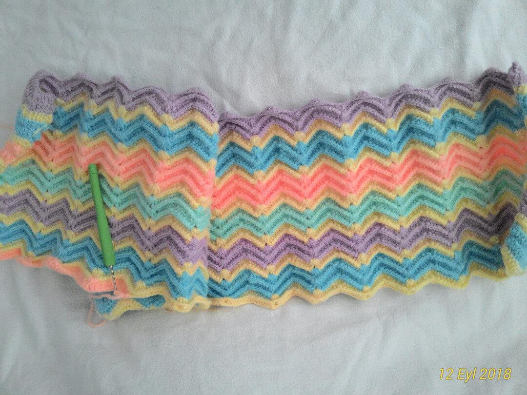 dalgali-modelli-kislik-battaniye-yapimi-1