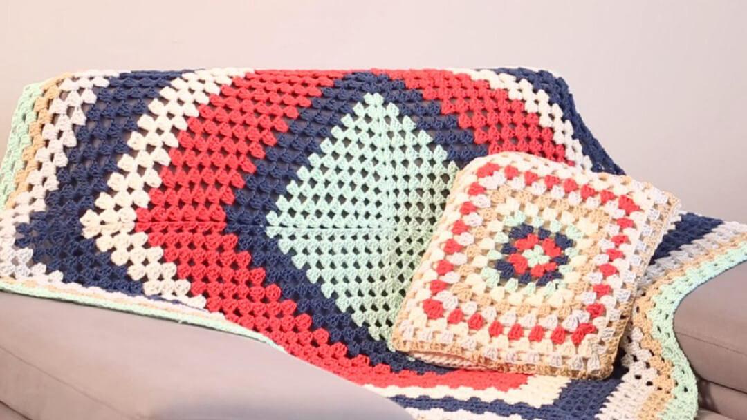 5 Dakikada Battaniye-Örtü-Yastık Örgü Yapımı