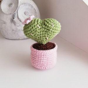 amigurumi-kalp-kaktus-yapimi