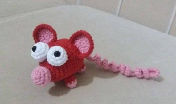 amigurumi-uzun-kuyruklu-fare-yapimi