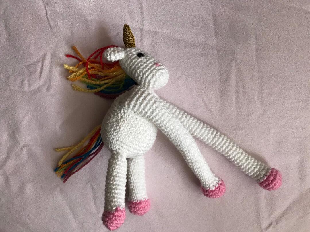amigurumi-unicorn-perde-tutucu-yapimi-5