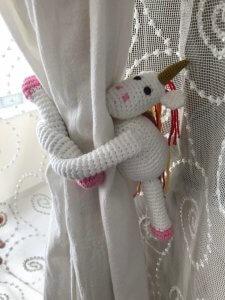 amigurumi-unicorn-perde-tutucu-yapimi
