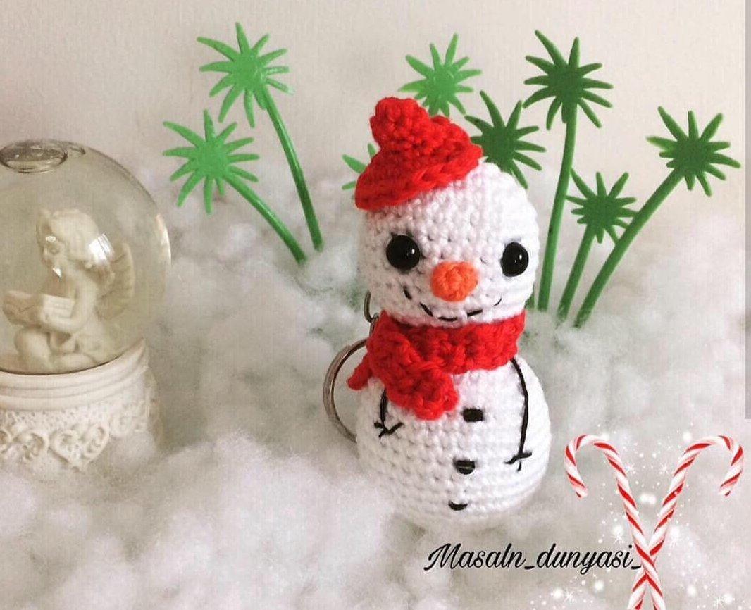 amigurumi-kardan-adam-anahtarlik-yapimi