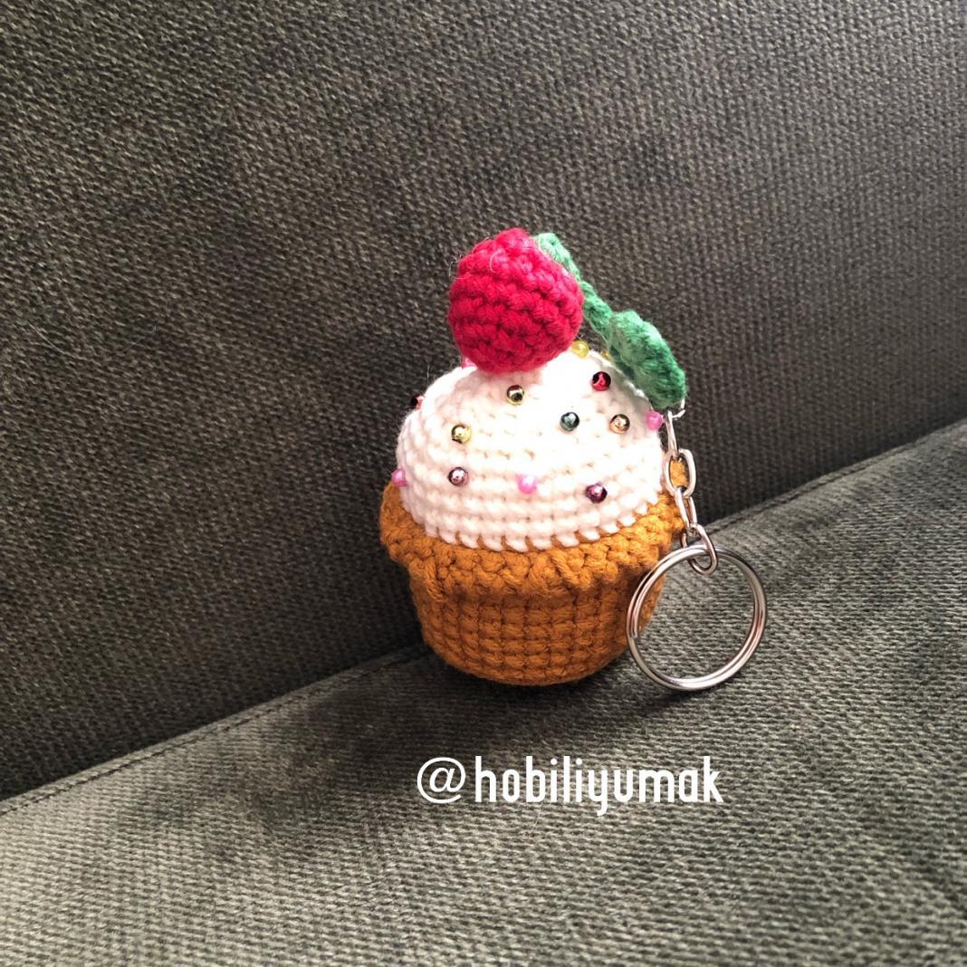 amigurumi-cupcake-anahtarlik-yapimi