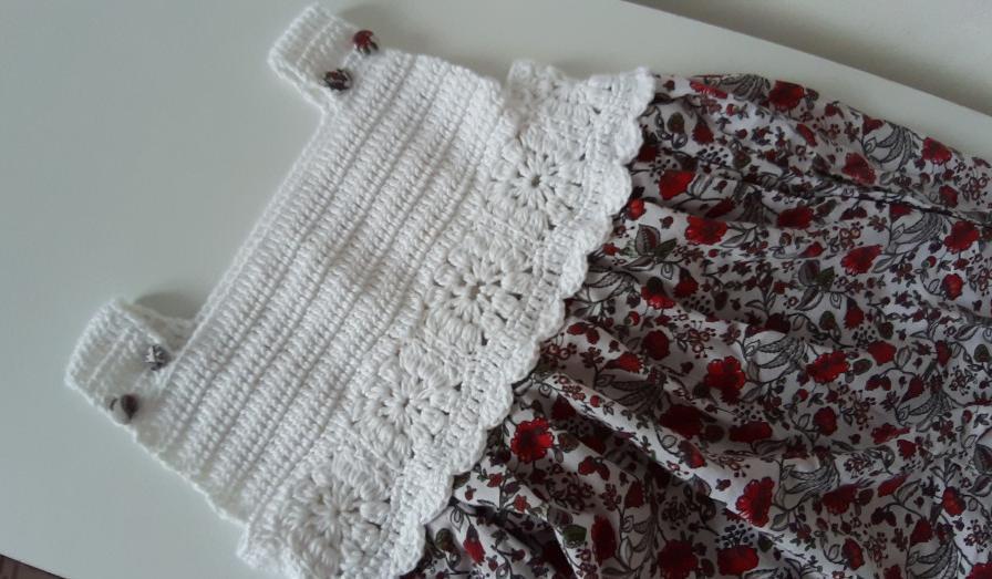 kumasli-motifli-bebek-elbisesi-yapimi-5