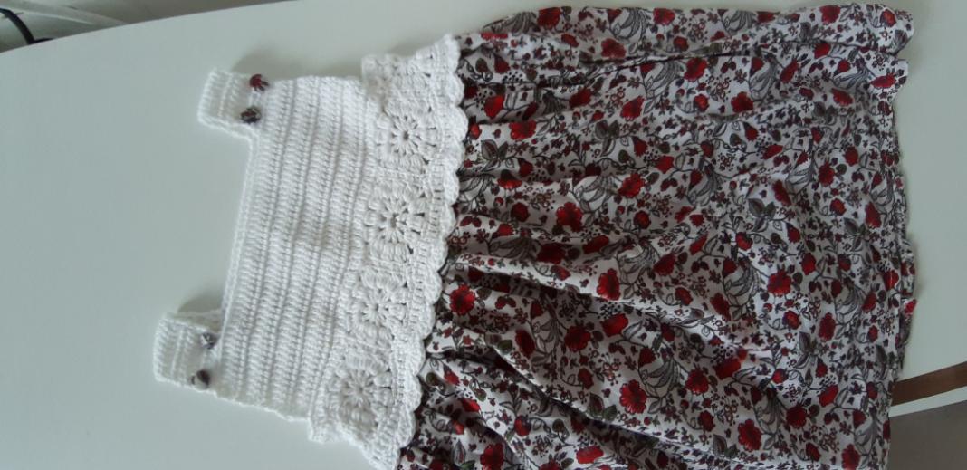 kumasli-motifli-bebek-elbisesi-yapimi