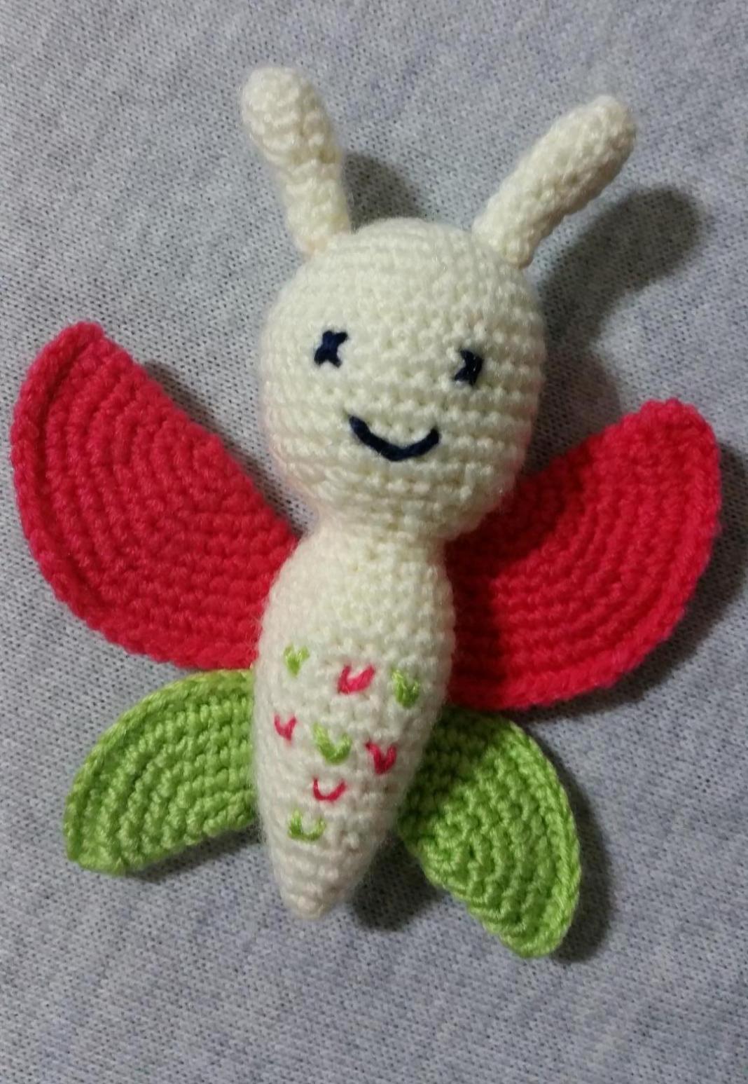 amigurumi-renkli-kelebek-yapimi