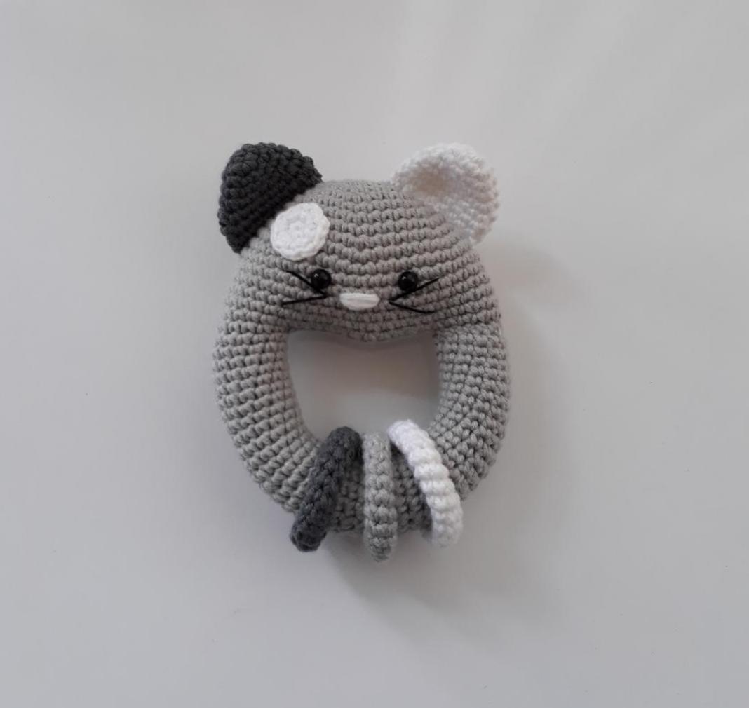 amigurumi-vikvikli-kedi-cingirak-yapimi