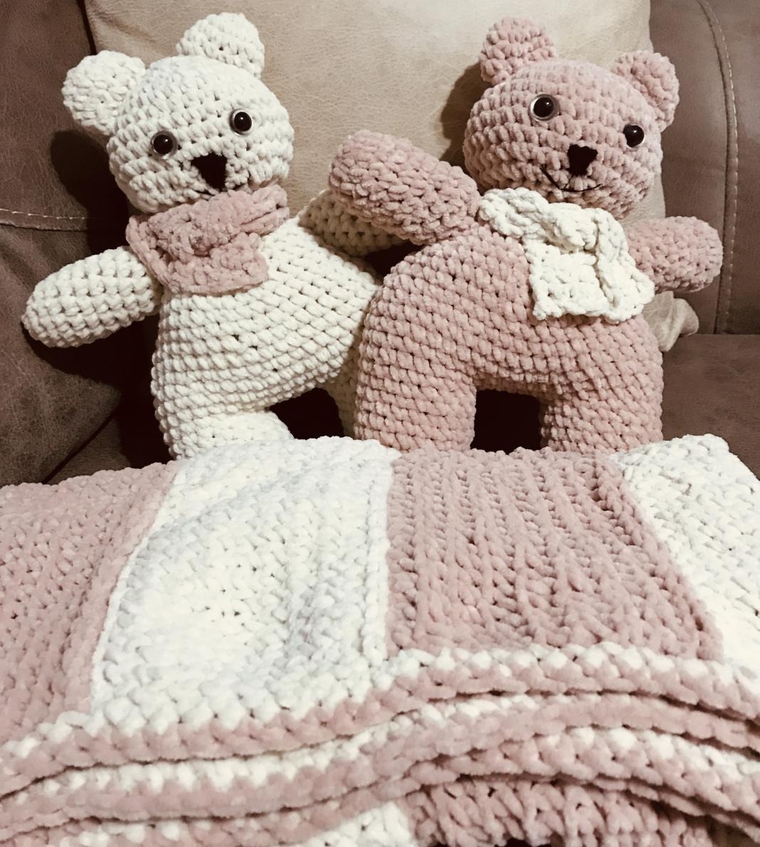 amigurumi-uyku-arkadaslari-ve-kadife-battaniye-yapimi