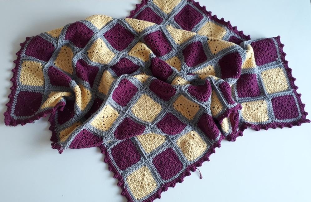 kare-motifli-battaniye-yapimi
