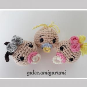 amigurumi-emzikli-bebek-kafasi-anahtarlik-yapimi