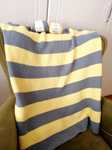 kolay-cizgili-battaniye-yapimi