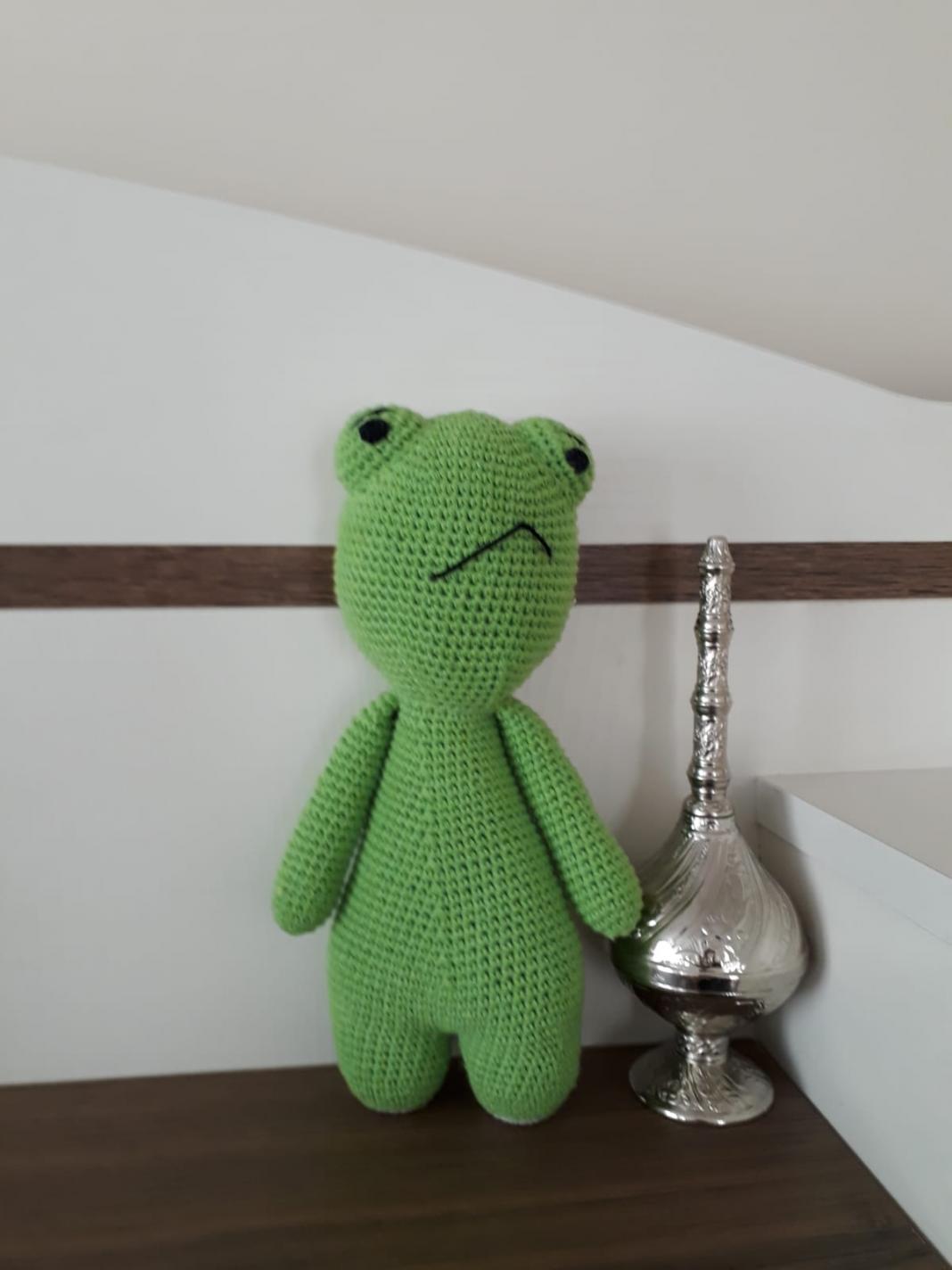 amigurumi-somurtkan-kurbağa-yapimi