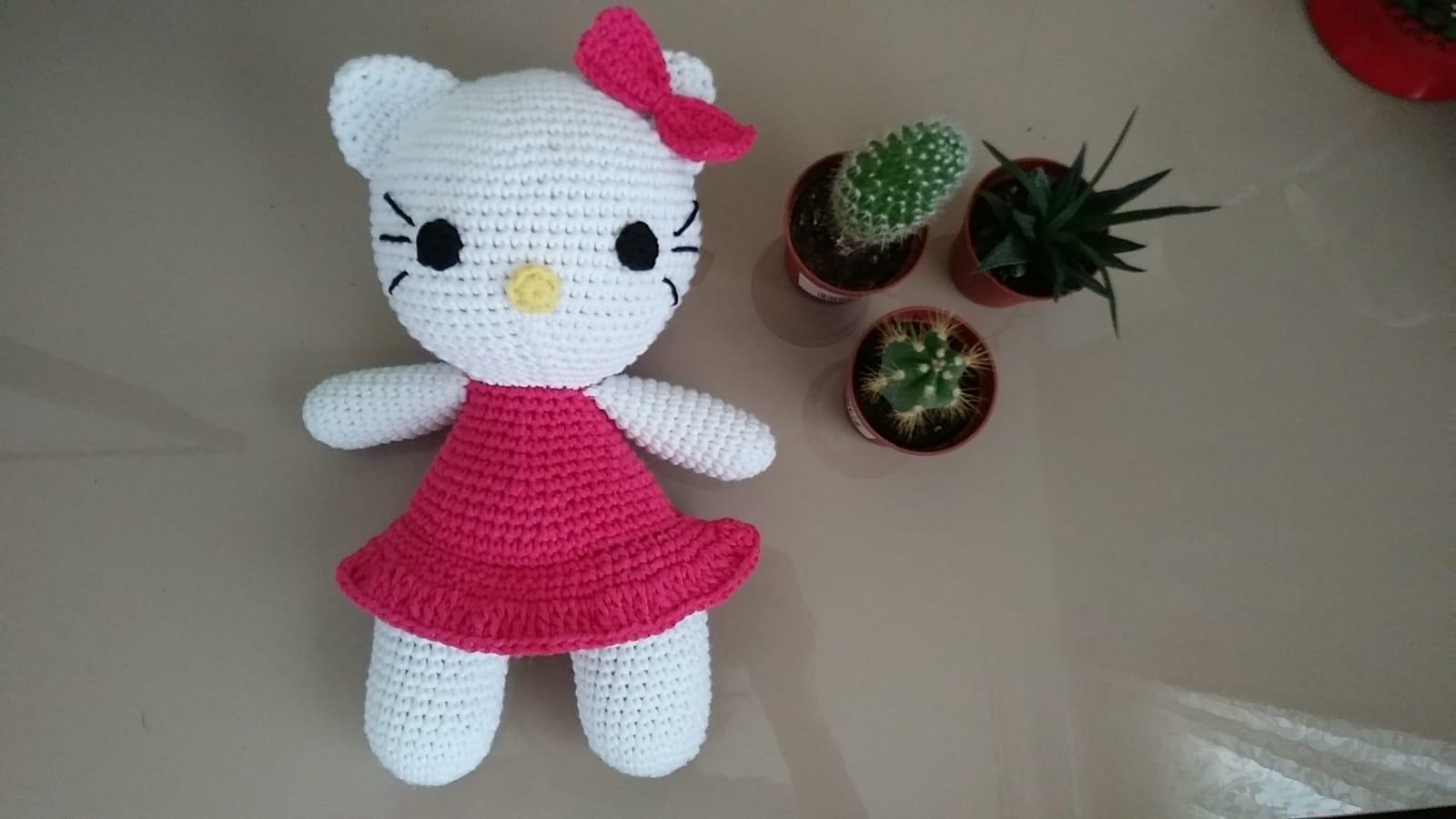 Häkeln * Hello Kitty Engel mit Herz * Teil 3 * Arme, Beine ... | 900x1600