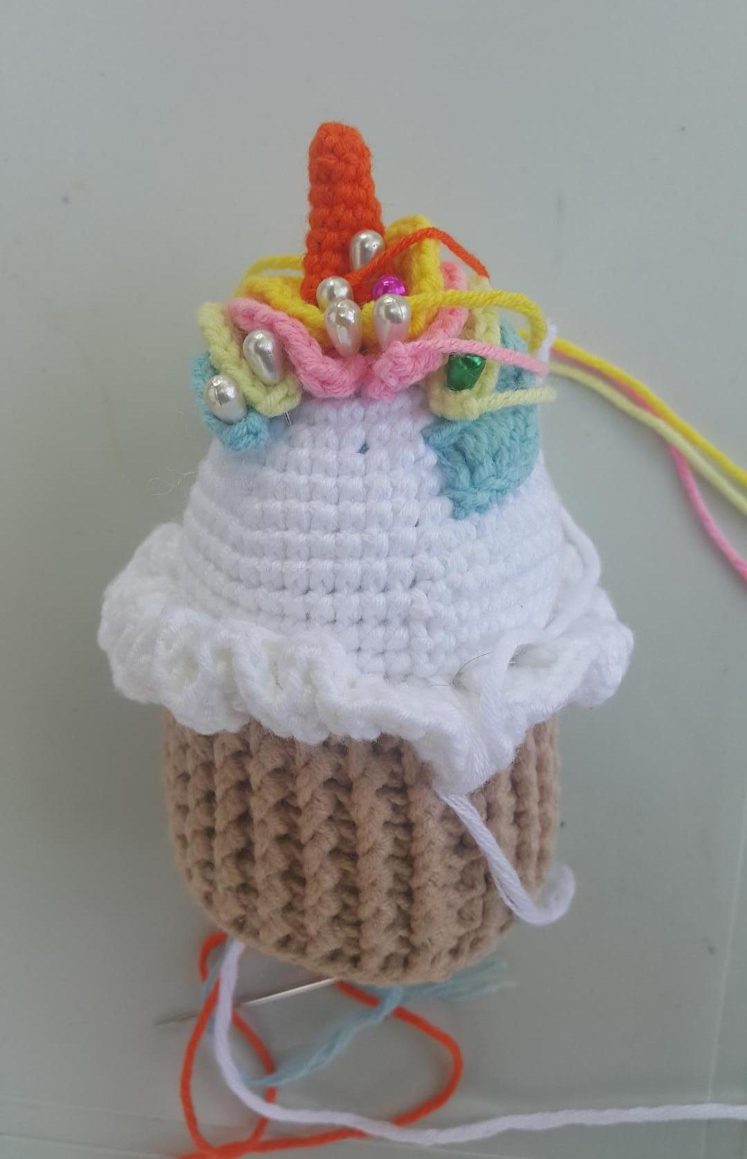 amigurumi-unicorn-cupcake-yapimi-1
