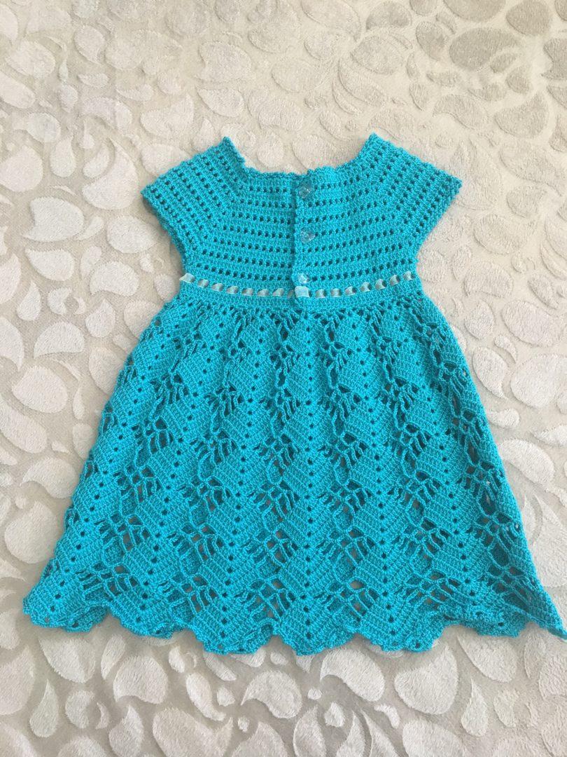 dantel-etekli-bebek-elbisesi-yapimi-arka