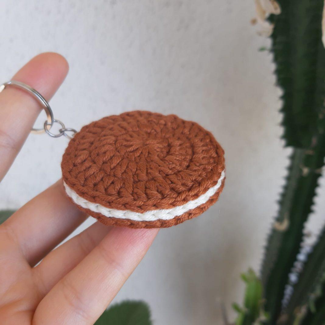 amigurumi-biskuvi-anahtarlik-yapimi