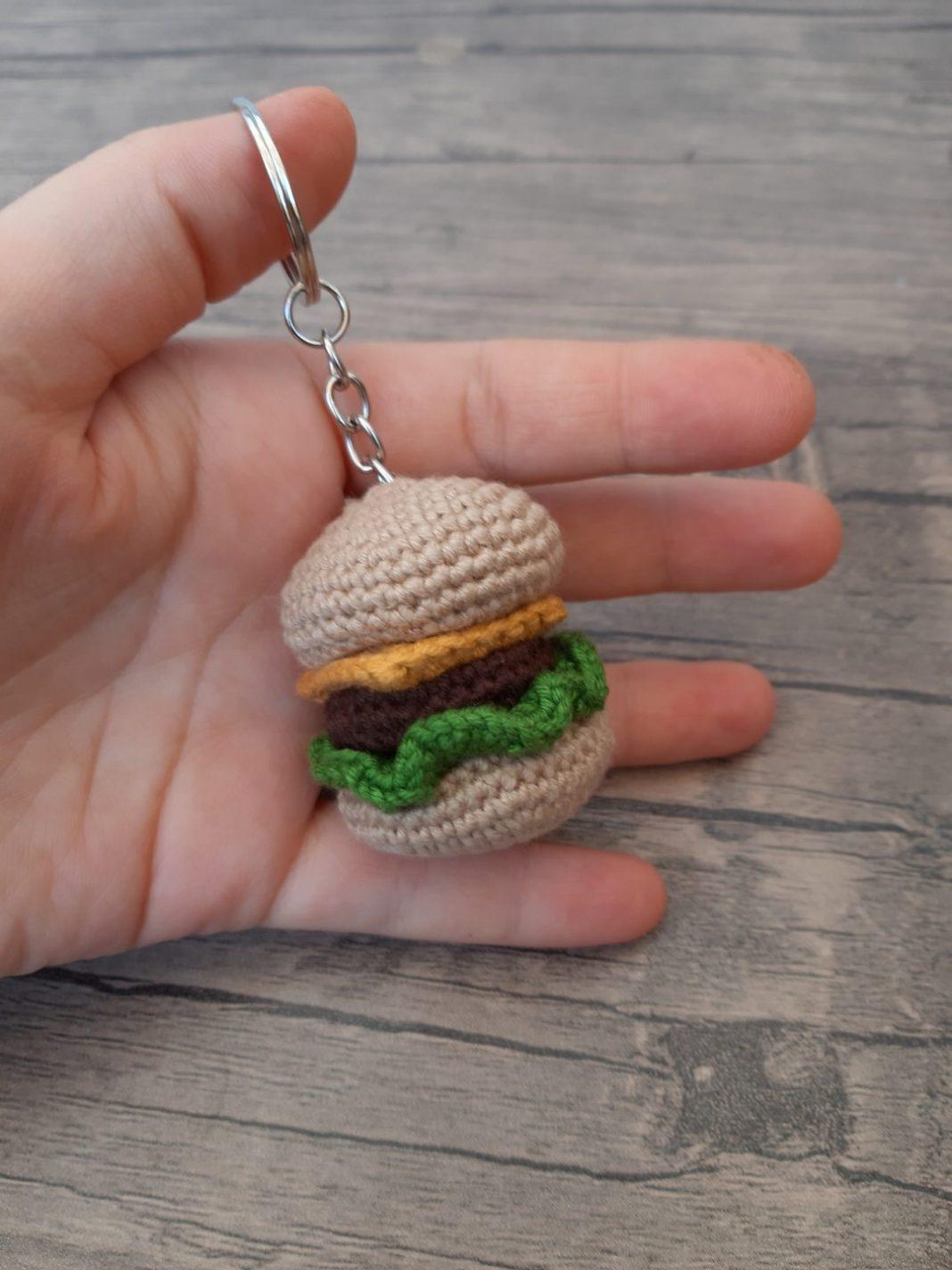 amigurumi-hamburger-anahtarlik-yapimi