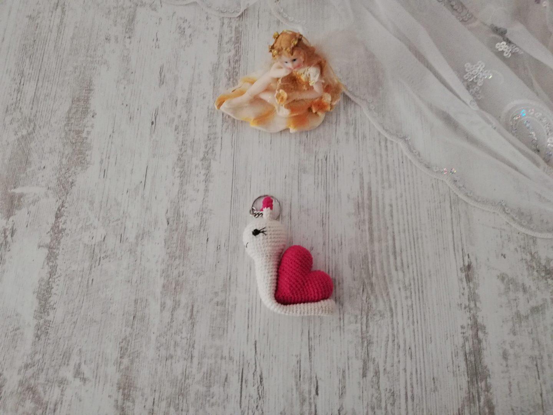 amigurumi-kalpli-salyangoz-anahtarlik-yapimi