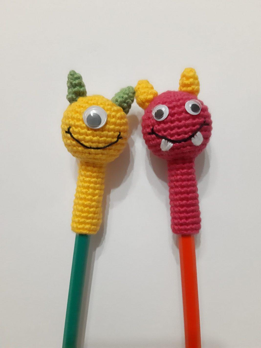 amigurumi-sevimli-canavarlar-kalem-basligi-yapimi