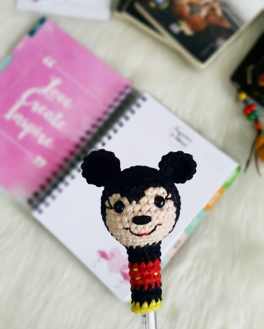 amigurumi-mickey-mouse-kalem-basligi-yapimi