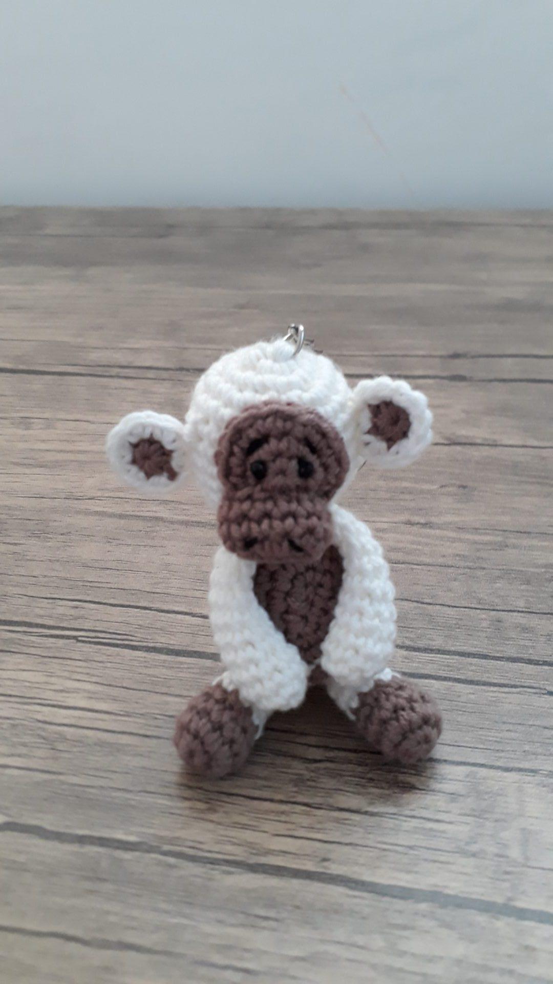 amigurumi-maymun-anahtarlik-yapimi