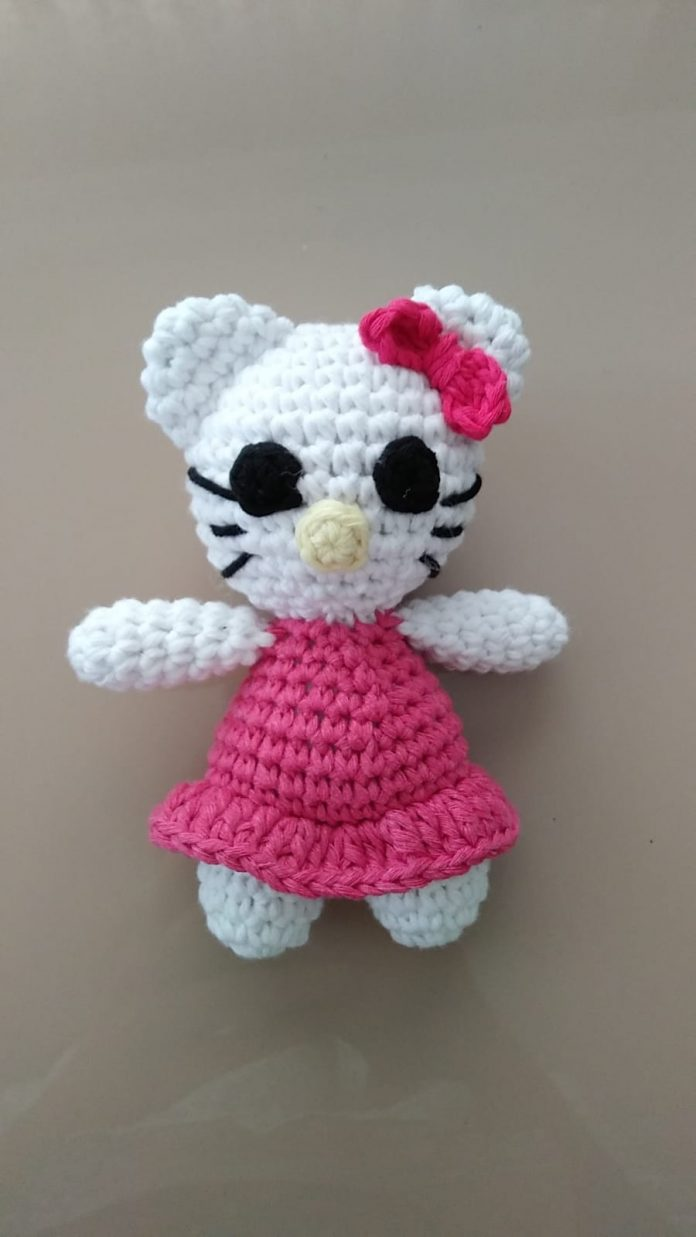 Mini Hello Kitty amigurumi. | Hello kitty amigurumi, Crochet de ... | 1237x696