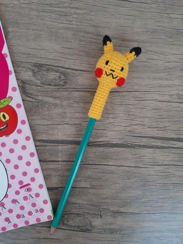 amigurumi-pikachu-kalem-basligi-yapimi