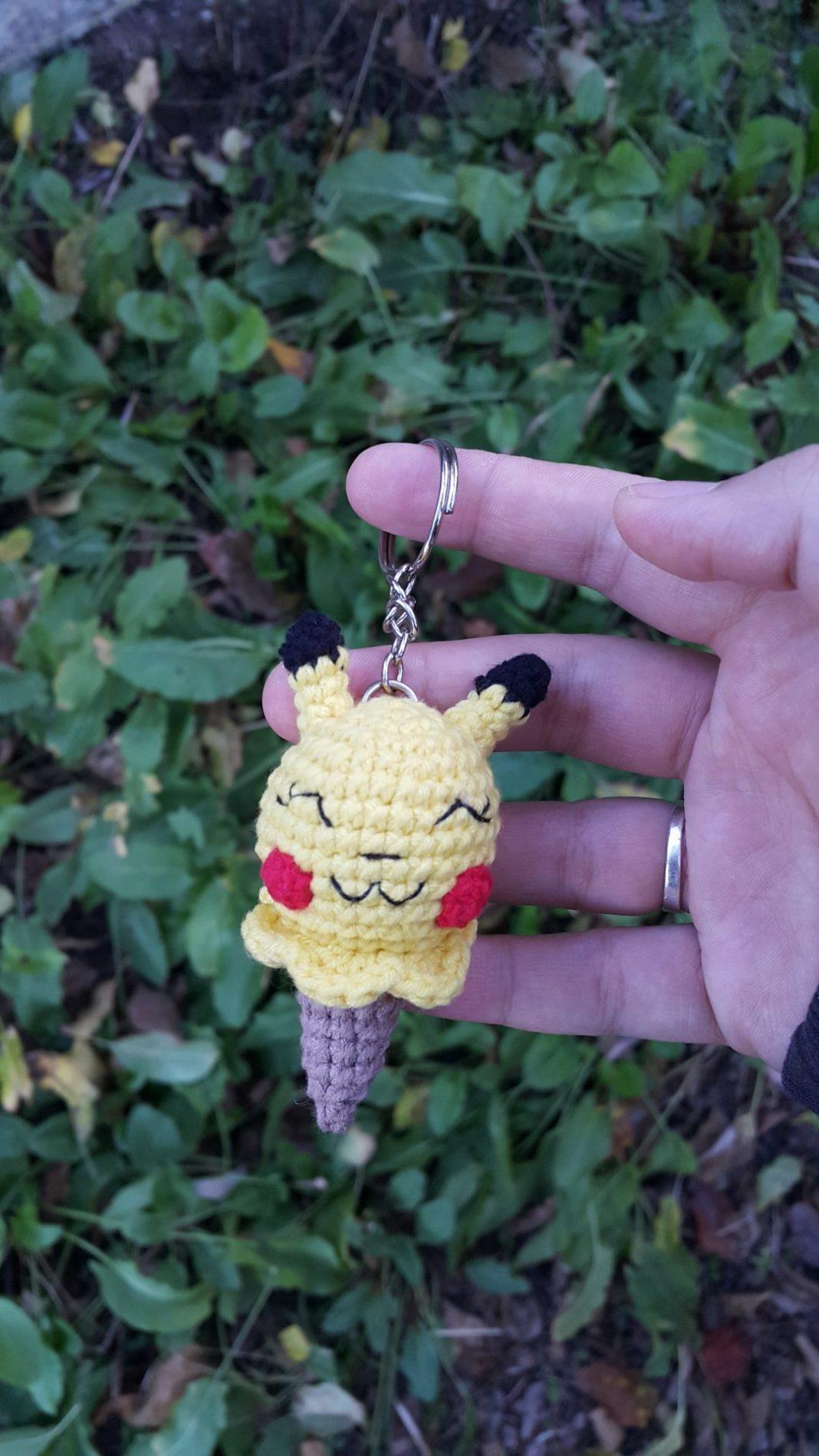 amigurumi-pikachu-dondurma-anahtarlik-yapimi