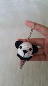 amigurumi-panda-dondurma-anahtarlik-yapimi