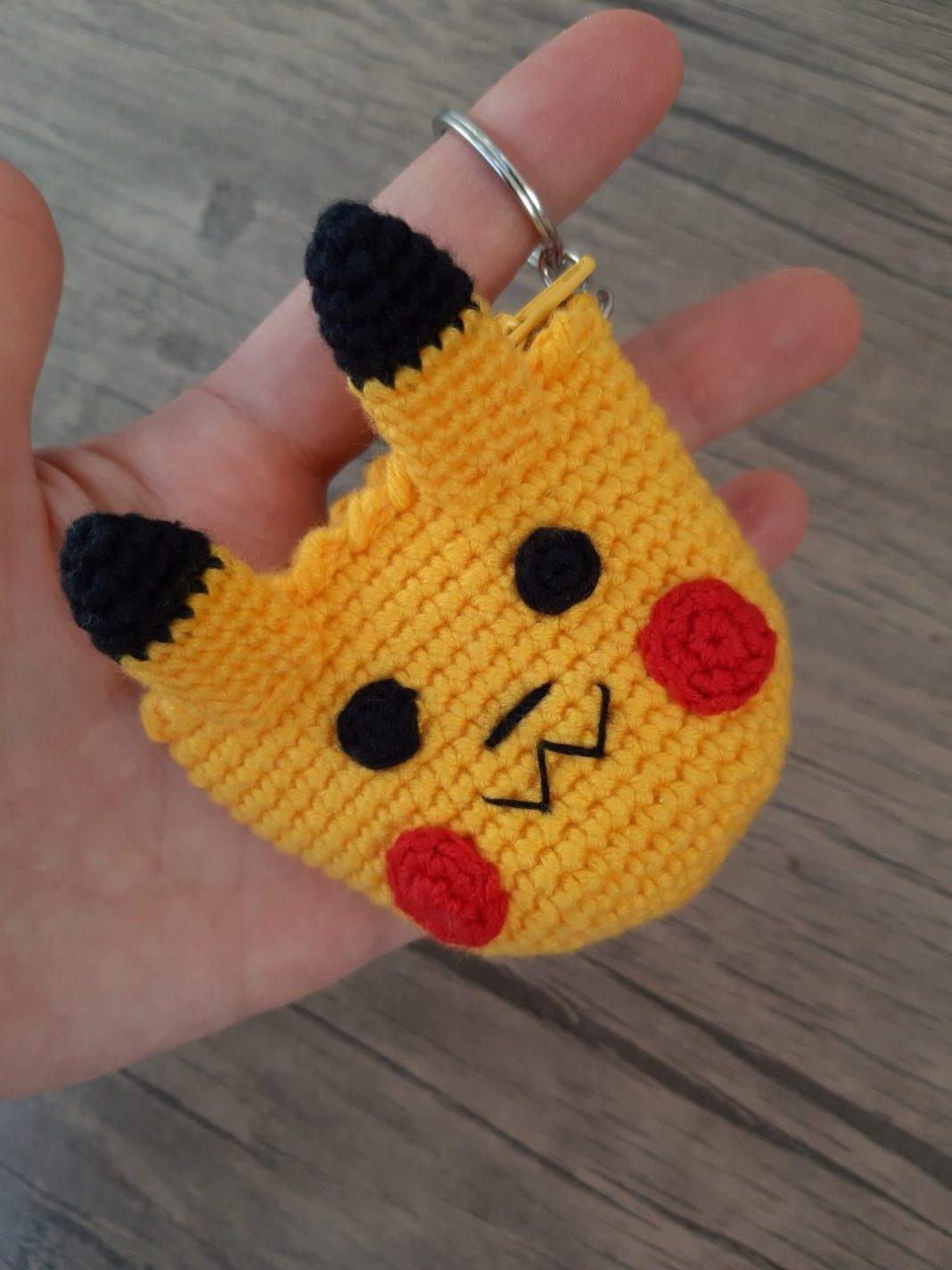amigurumi-pikachu-bozuk-para-cuzdani-yapimi