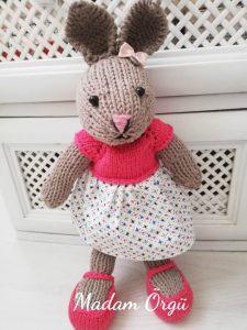 orgu-oyuncak-bebek-elbisesi-yapimi