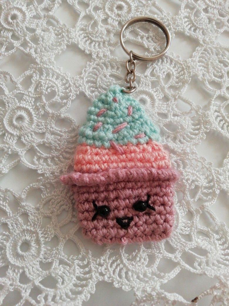 amigurumi-cupcake-hanim-bros-anahtarlik-yapimi-1