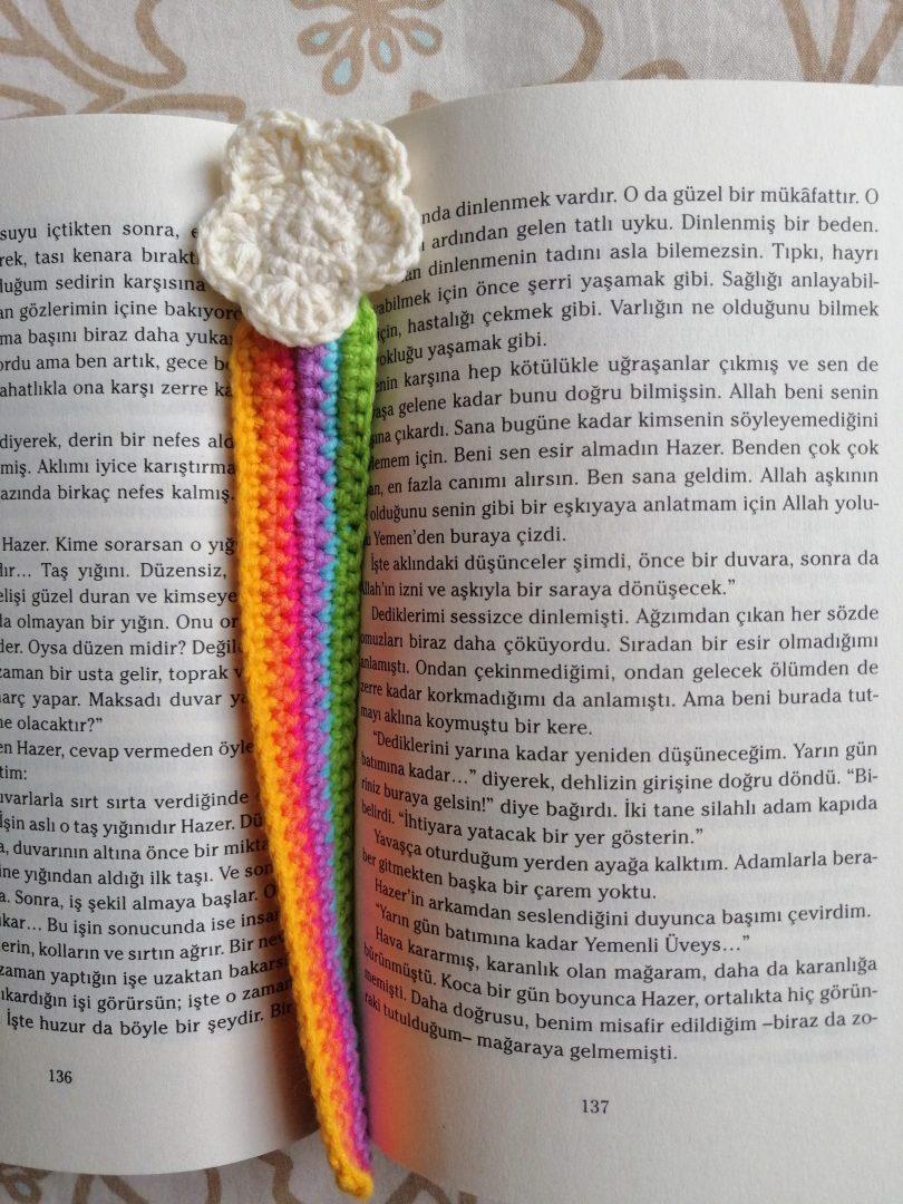 bulutlu-gokkusagi-kitap-ayraci-yapimi