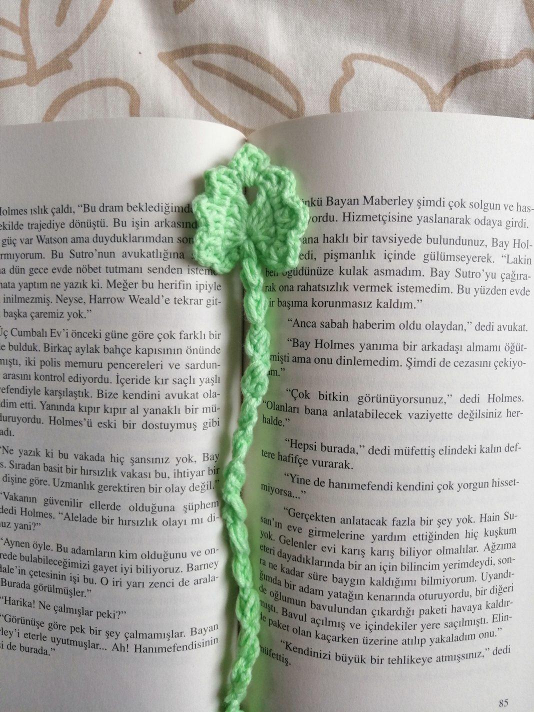 kucuk-yaprak-kitap-ayraci-yapimi