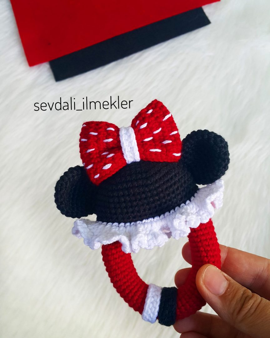 amigurumi-minnie-mouse-cingirak-yapimi