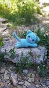 amigurumi-mavi-kedi-anahtarlik-yapimi