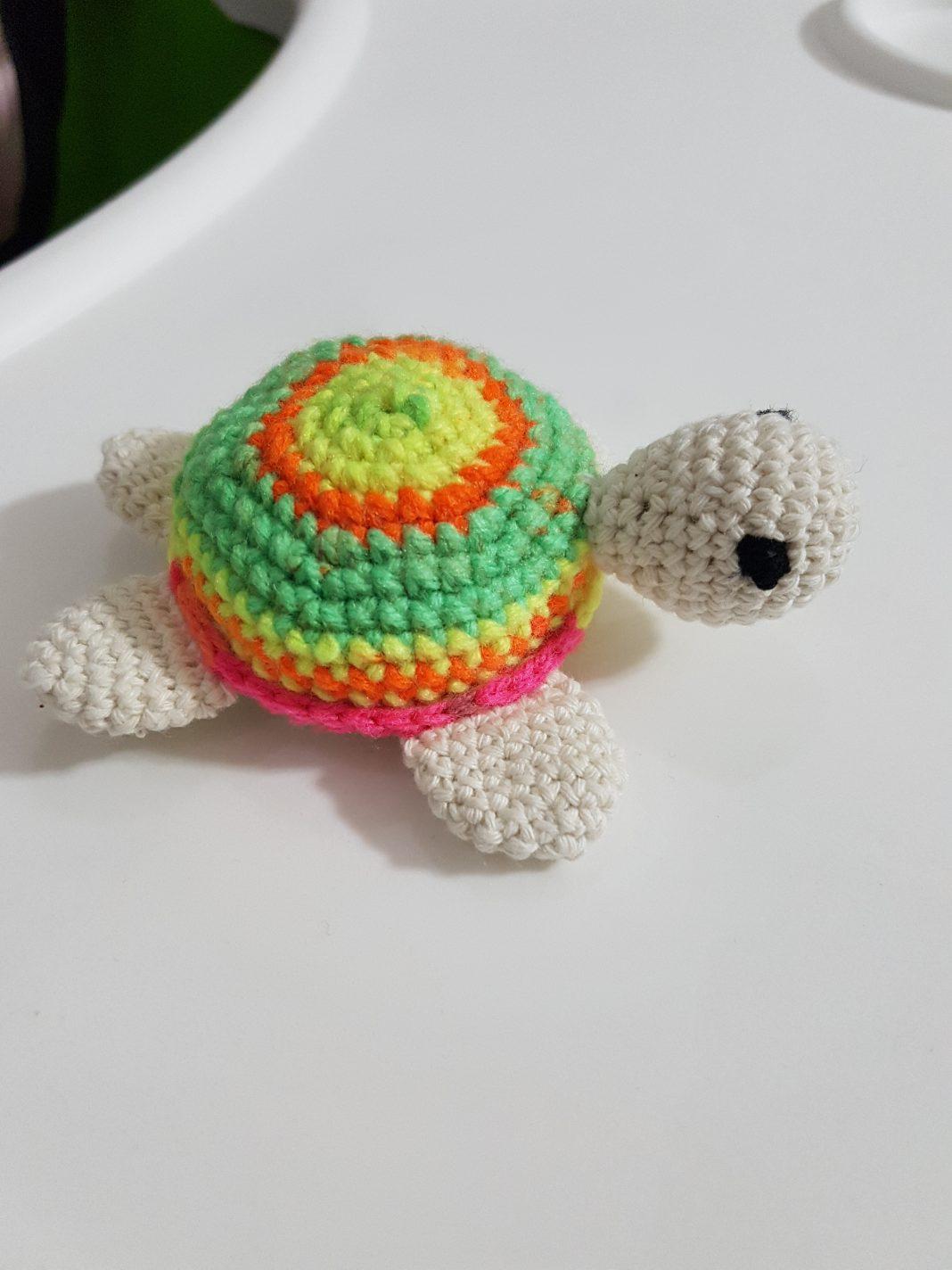 amigurumi-renkli-minik-kaplumbaga-yapimi