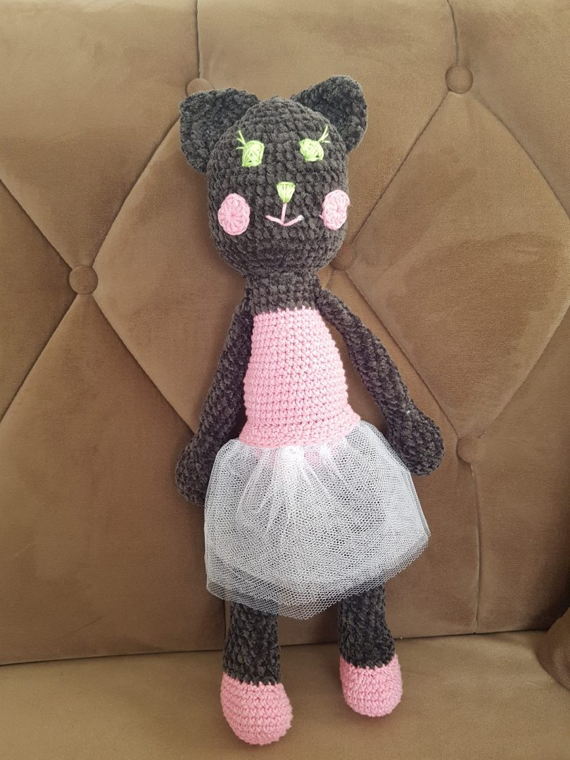 amigurumi-kadife-kara-kedi-yapimi