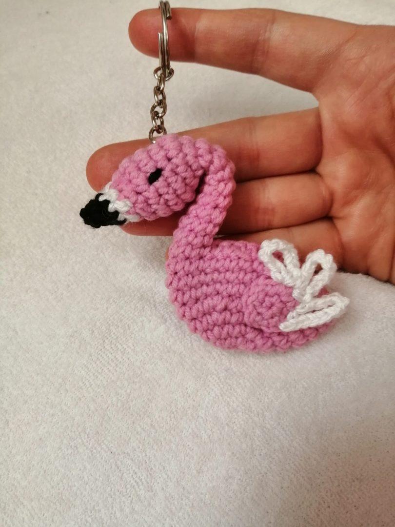 amigurumi-flamingo-anahtarlik-yapimi