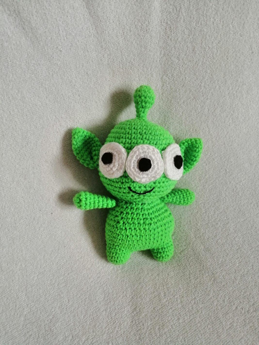 amigurumi-oyuncak-hikayesi-uzayli-yapimi