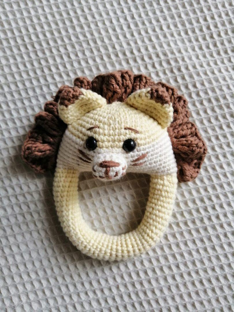 amigurumi-kolay-aslan-cingirak-yapimi