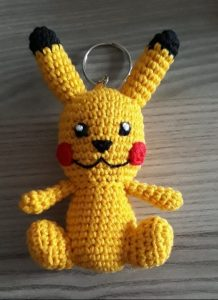 amigurumi-sevimli-pikachu-anahtarlik-yapimi