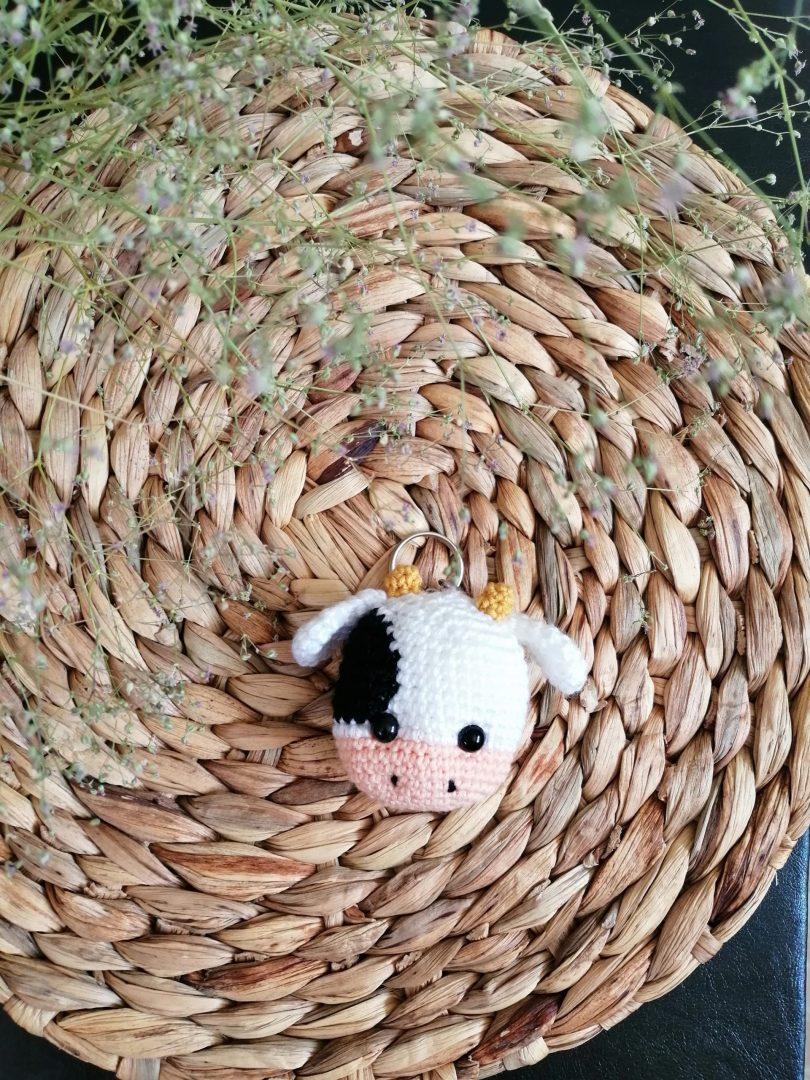 amigurumi-minik-inek-anahtarlik-yapimi