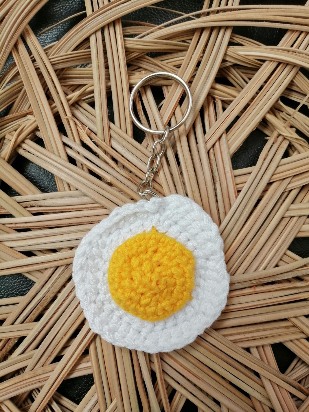amigurumi-yumurta-anahtarlik-yapimi