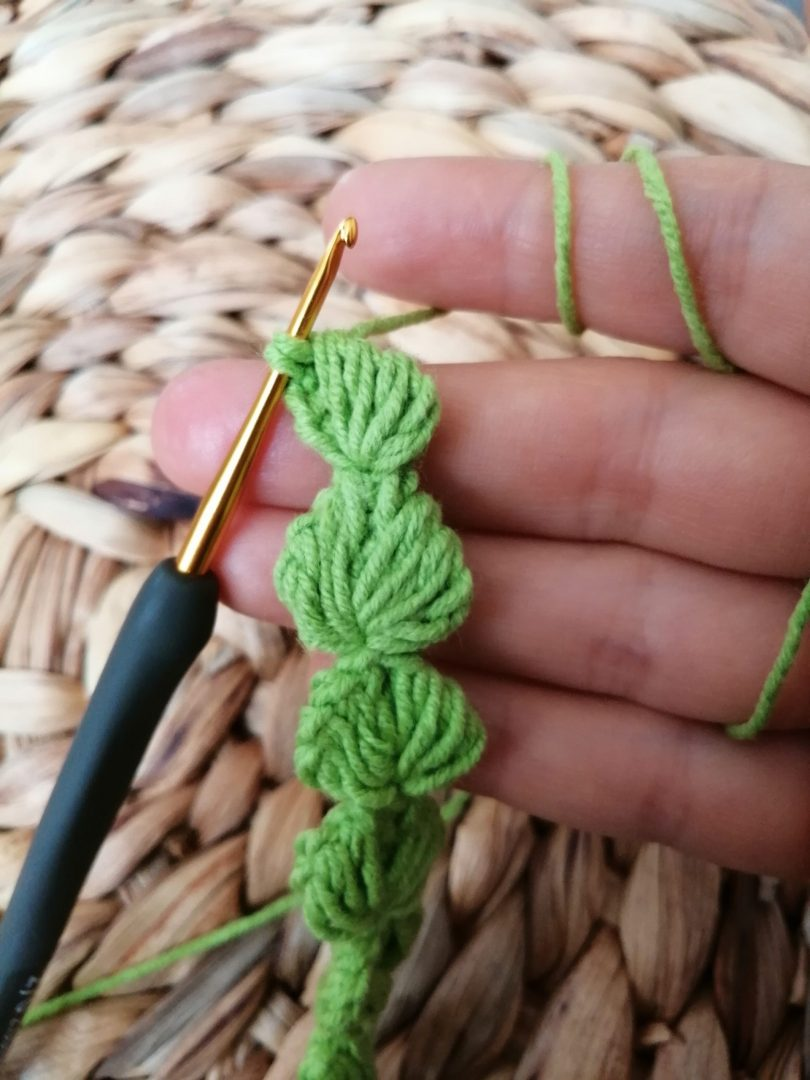 yaprak-modelli-emzik-zinciri-yapimi