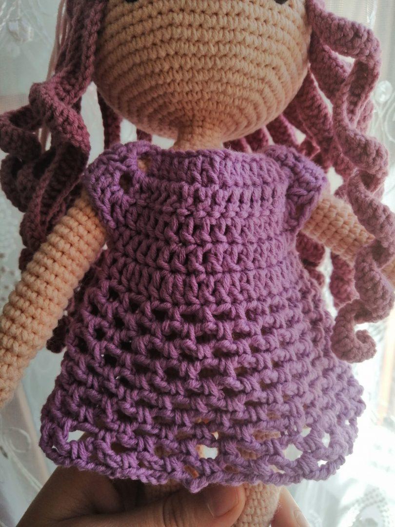 amigurumi-kiyafetler-file-oyuncak-bebek-elbisesi-yapimi