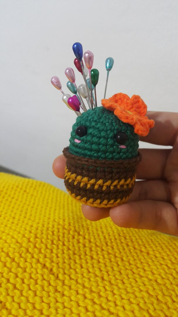 amigurumi-sevimli-kaktus-ignelik-yapimi